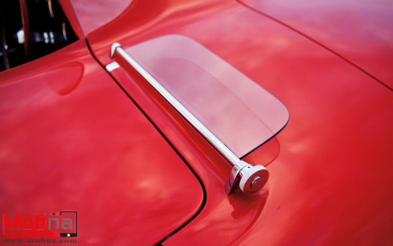۱۹۶۰-plymouth-xnr-concept-car-windshield