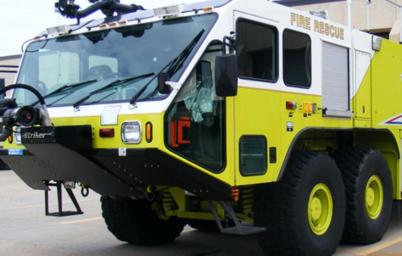 Oshkosh-Striker-8x8-1