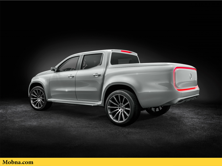 ۱۶-the-stylish-explorer-comes-with-a-continuous-led-stripe-on-the-tailgate-and-22-inch-wheels
