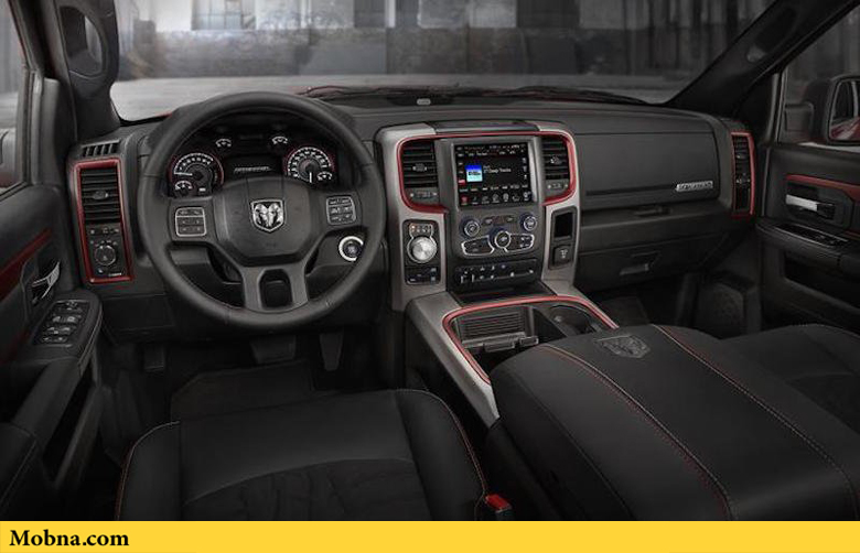 ۸-it-comes-with-an-84-inch-touchscreen-that-lets-you-toggle-between-the-rear-back-up-camera-and-cargo-camera